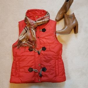Jockey Person 2 Person Red Puffer Vest